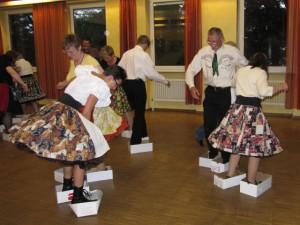 tanzen mit Schuhkartons...