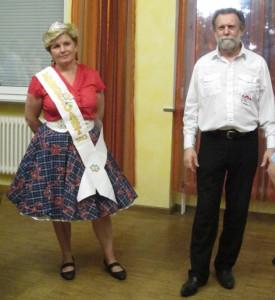 Irene mit Krone & Schärpe