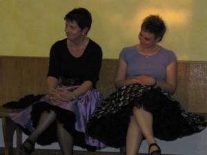 Conny und Sandra warten