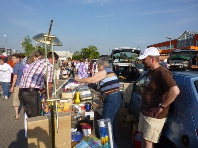 Ostern 2011 - Verkauf auf dem Flohmarkt