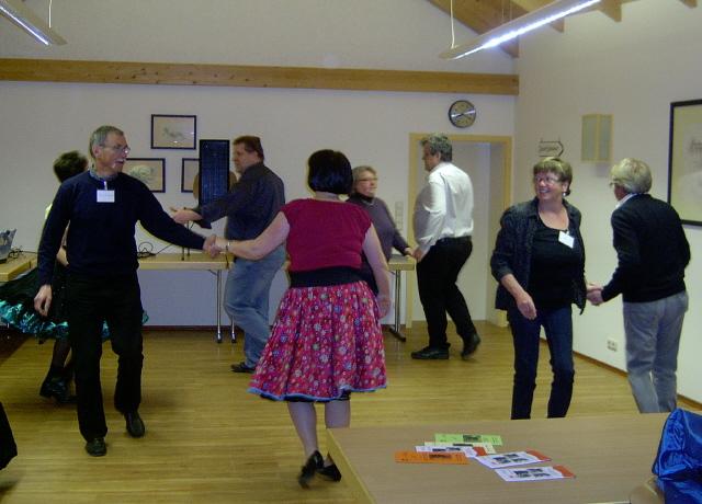 alle haben sichtlich Spaß am Tanzen